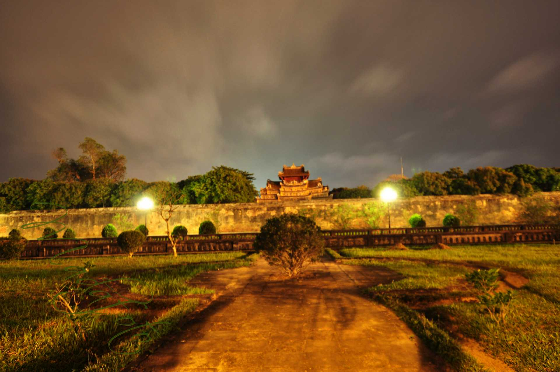 (6) Vietnam – Hue and night in Ho Chi Minh (Sajgon)